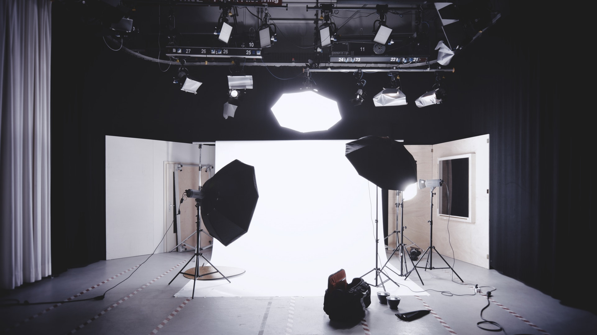 Lighting Conditions to Use for Photography Indoors